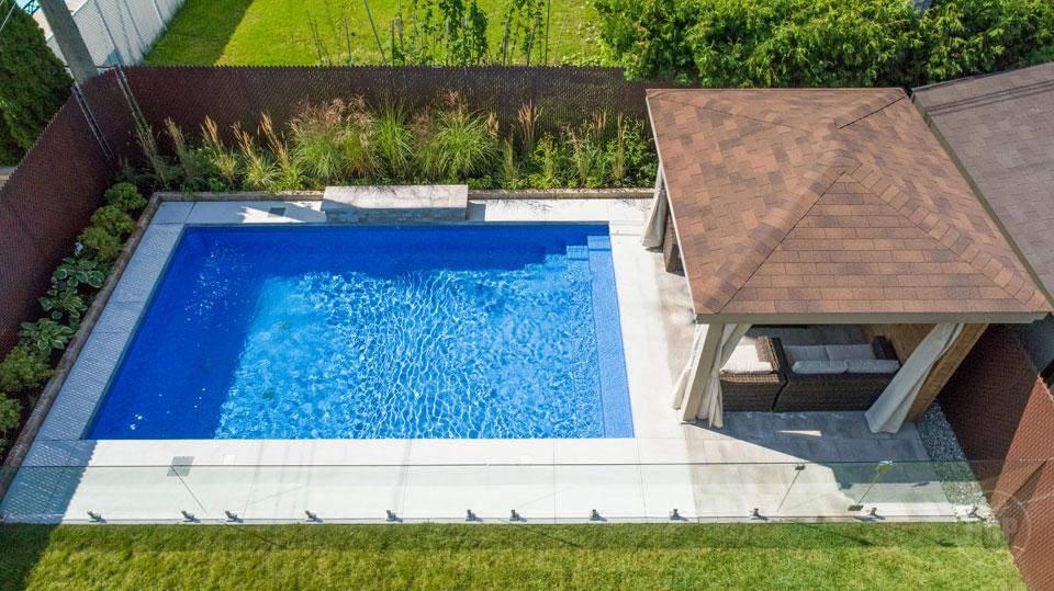 piscine 11 piscine hudon. Black Bedroom Furniture Sets. Home Design Ideas