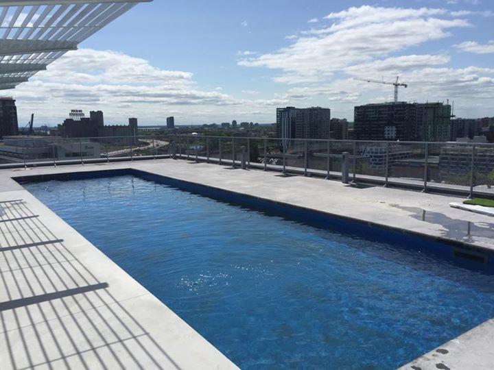 Piscine creus e commerciale laval montr al piscine hudon for Vente piscine montreal