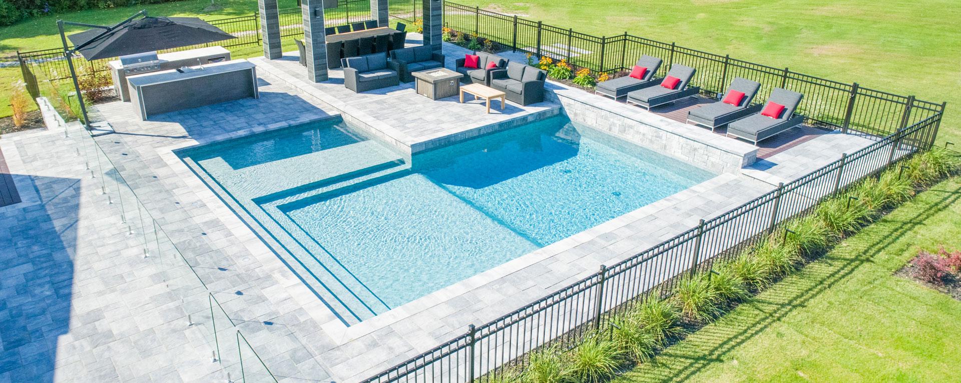 Piscine creus e et installation laval montr al piscine for Ouverture piscine
